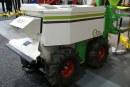 Robot pielący do upraw pod osłonami i szkółek