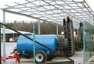 FOT. 3. Baza maszynowa w jednym z gospodarstw