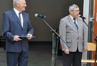 Fot. 1. Przybyłych na wrześniowe spotkanie przywitał organizator imprezy prof. dr hab. Kazimierz Tomala (po lewej), a także Rektor SGGW prof. dr hab. Alojzy Szymański