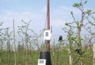 FOT. 2. Stacje meteorologiczne wspomagają podejmowanie racjonalnych decyzji w ochronie chemicznej m.in. przed parchem jabłoni
