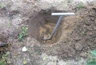 FOT. 3. Pobór gleby z warstwy podornej