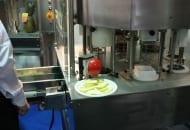 Fot. 11. Rozkrawarka do jabłek kroi owoce na cząstki