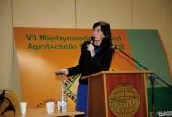 Fot. 5. Dr Beata Meszka prezentowała m.in. nowości do ochrony truskawek