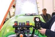 FOT. 11b. Opryskiwacz sadowniczy  Zanon model ZPL 1500 z panelem sterującym elektrozaworami firmy ARAG.