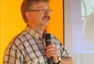 Fot. 7. Prof. Waldemar Treder tłumaczył jak efektywnie wykorzystywać wodę do nawadniania