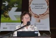Fot. 3. Dr Alicja Maciesiak z IO w Skierniewicach oceniła zagrożenia ze strony szkodników w sadzie