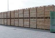 FOT. 1b. Skrzyniopalety można przechowywać wsadzie lub wpobliżu obiektów chłodniczych