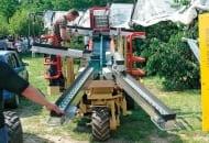 FOT. 2. Trzykołowa maszyna do zbioru jabłek z drzew firmy Z