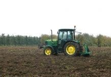 Przygotowanie gleby przed założeniem sadu lub plantacji roślin jagodowych