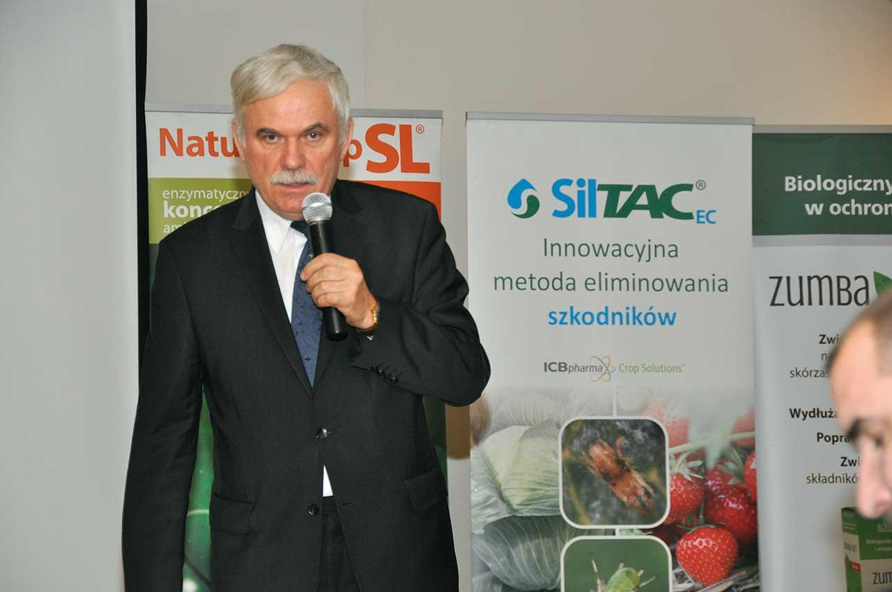 Prof. dr hab. Jerzy Szymona z Uniwersytetu Przyrodniczego w Lublinie informował o warunkach, które należy spełnić, aby podjąć uprawę w technologii ekologicznej