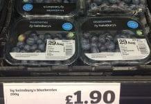 Polskie borówki w Wielkiej Brytanii kosztują nawet 90 zł/kg