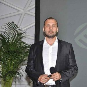 Fot. 1. Jean Philippe Riffat, dyrektor działu handlowego, Europa Środkowa