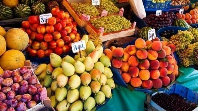 Stragany w Turcji - owoce i warzywa