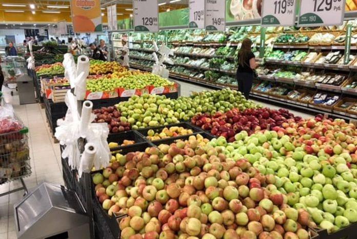 markety we francji wspierają francuskich producentów owoców