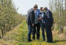 Prezydent i Minister Rolnictwa spotkali się dziś z sadownikami w Dylewie…