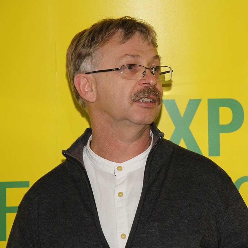 FOT. 5. Prof. dr hab. Waldemar Treder zaprezentował wyniki doświadczeń prowadzonych w IO nad skutecznością ochrony przeciwprzymrozkowej przy użyciu COMPO Frost Protect
