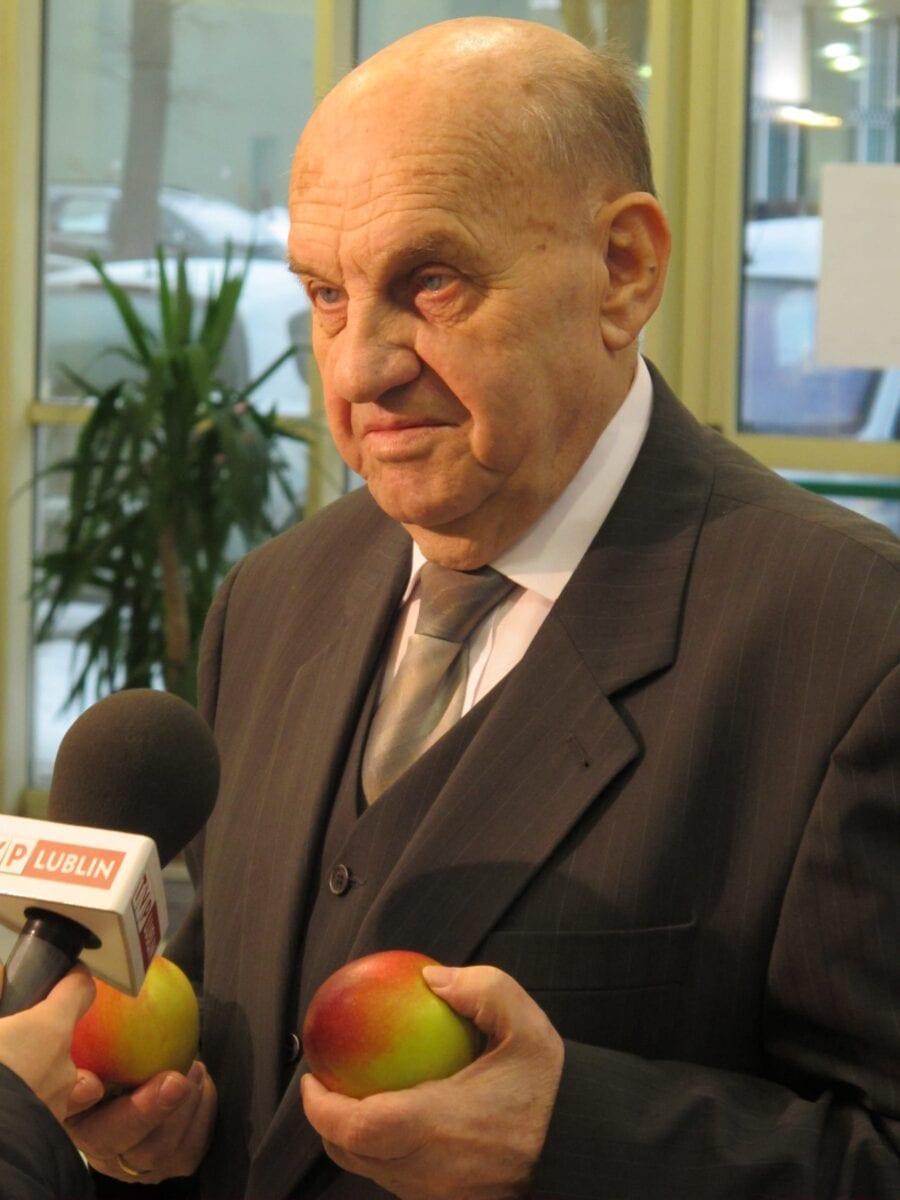 Fot. 1. Zdaniem prof. dr hab. Eberharda Makosza, jakość jabłek jest naszym największym wyzwaniem