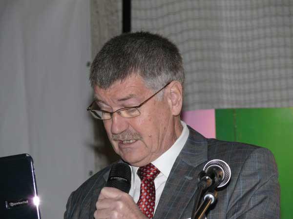 Fot. 3. Prof. Edward Żurawicz z IO w Skierniewicach omówił światowe tendencje w hodowli roślin sadowniczych