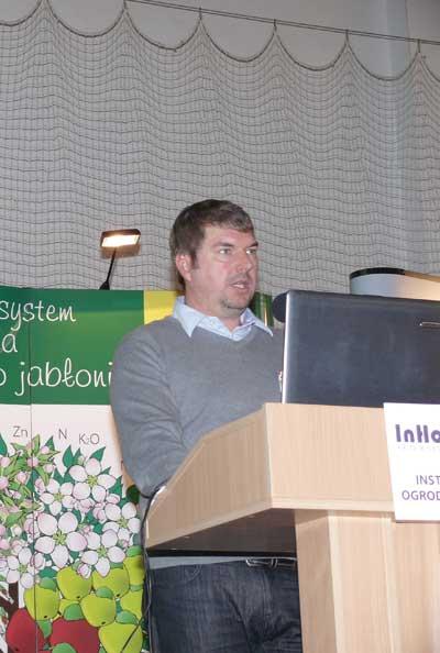 Fot. 7. Norbert Reinthalaller z Austrii przedstawił możliwości zagospodarowania nadmiaru owoców w gospodarstwie