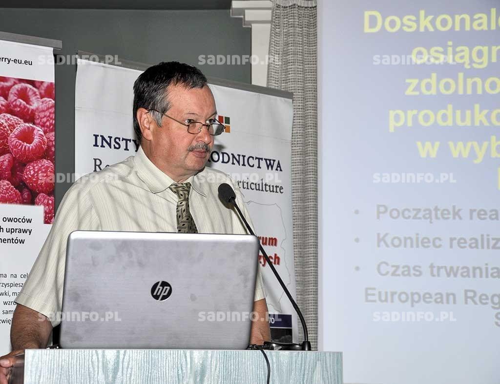 Fot. 1. Cele i założenia projektu InnoFruit przedstawił  dr Mirosław Sitarek