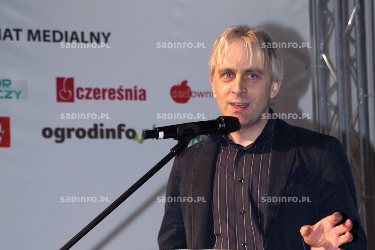 FOT. 3. Dr Jerzy Kozyra, klimatolog z Instytutu Uprawy i Nawożenia i Gleboznawstwa w Puławach