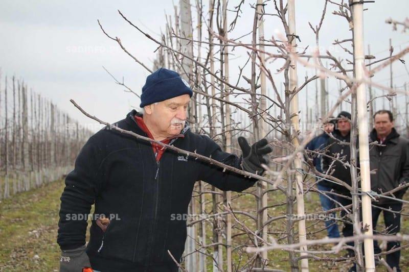 Fot. 5. Gerhard Baab, specjalista z Centrum Kompetencji w Klein--Altendorf w Niemczech podczas pokazów praktycznych