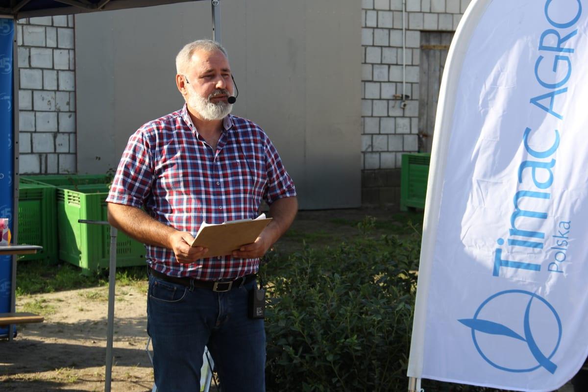 Piotr Szurek z firmy Berry Advisor informował nie tylko o dobrych zasadach agrotechniki, ale także o konkurencji ze strony krajów bałkańskich, gdzie powstają duże plantacje borówki wysokiej