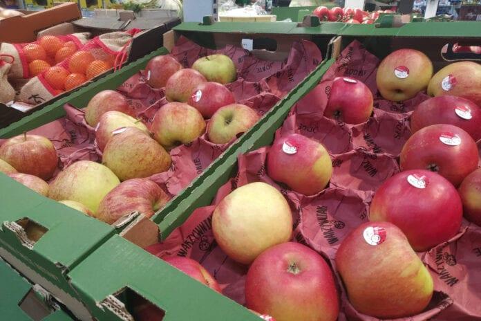 Jabłka w sieci Biedronka