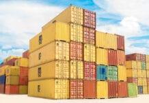 kontenery w porcie